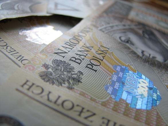 Umowa o pracę, zasiłek, alimenty czyli jakie dochody akceptują pożyczkodawcy?