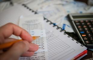 Jak zaoszczędzić na domowych rachunkach? Podpowiadamy, jak to zrobić