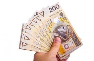 pieniądze wypłacane do ręki