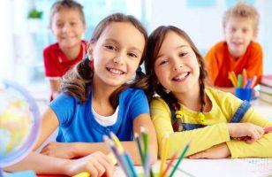 dziewczynki na lekcji