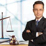 adwokat w gabinecie
