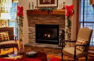 świąteczne dekoracje kominka