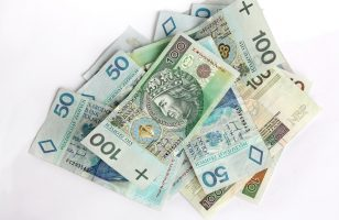 banknoty 50 zł 100 zł 200 zł