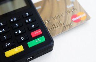terminal płatniczy i karta