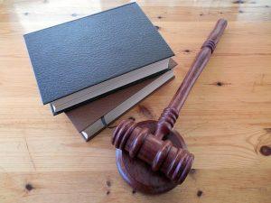 symbole władzy sędziowskiej