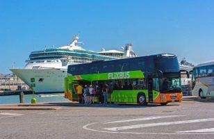 autobus Flixbus odbierający podróżnych z Wenecji